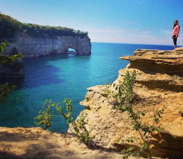 Grand Portal Point in the Pictured Rocks park. PC: Instagrammer @shannon__rose_